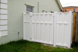 PVC Privacy Fence in Palm Beach County, FL
